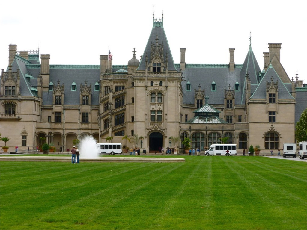 The Biltmore Estate Foliage Tour in North Carolina
